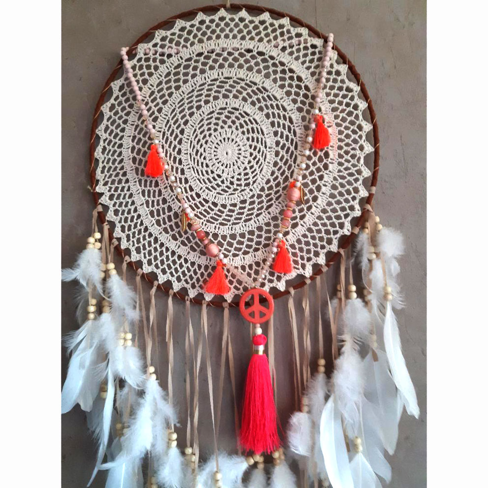 Collier pompons peace and love